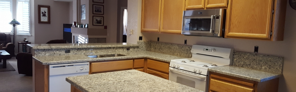 Quartz Kitchen Countertops With Up Bar