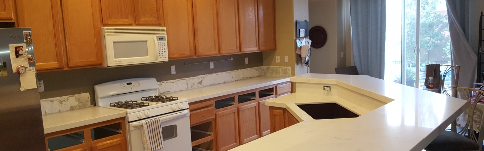White Quartz Kitchen Countertops with Granite Undermounted Sink